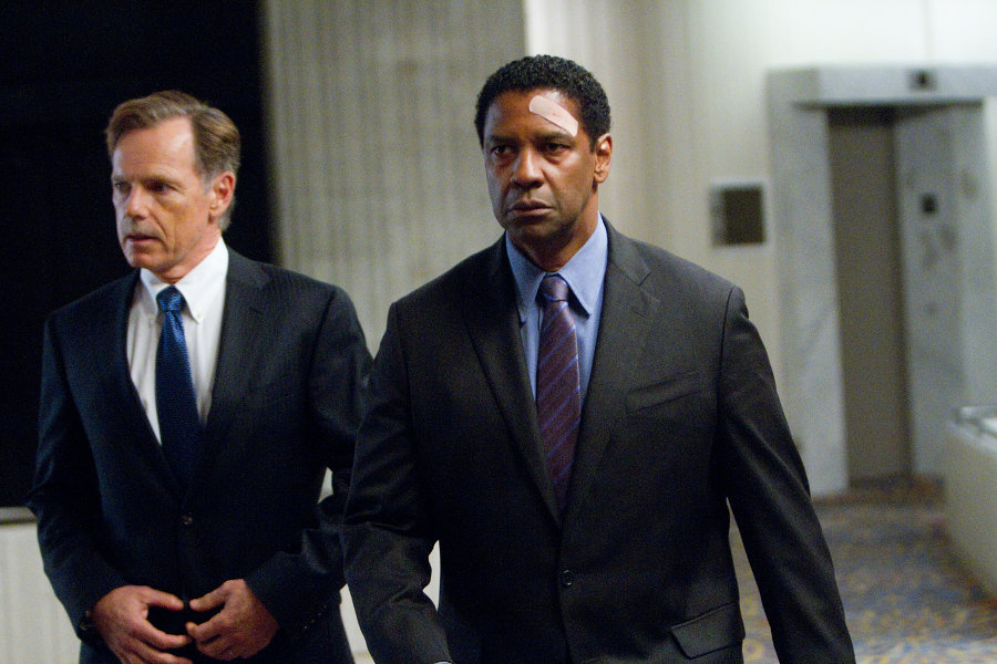 (Left to right)  Bruce Greenwood is Charlie Anderson and Denzel Washington is Whip Whitaker in FLIGHT,  from Paramount Pictures. F-05999